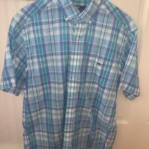 Vineyard Vines checkered button up t shirt